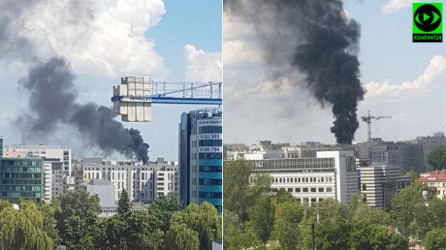 Czarny dym nad miastem. Paliły się materiały budowlane