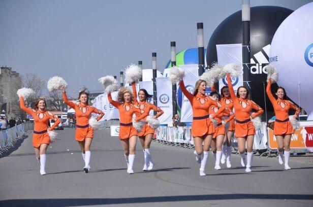 Gorący doping Fundacja Półmaraton Warszawski
