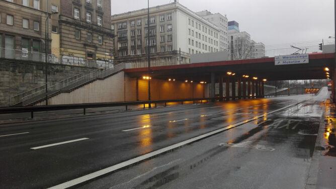 Drogi śliskie od deszczu