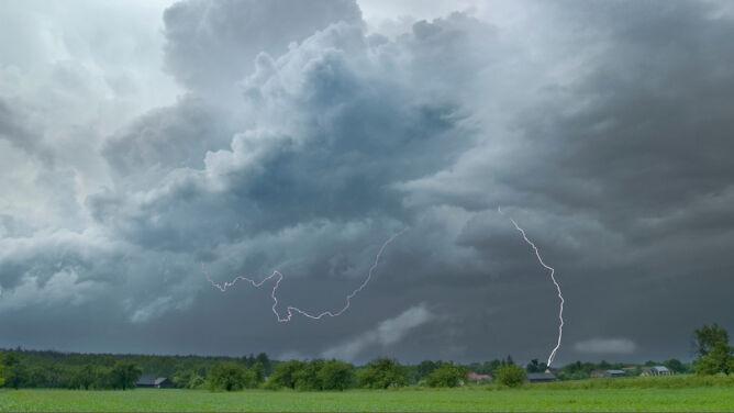 Prognoza pogody na dziś: <br />wędrówka burzowego frontu