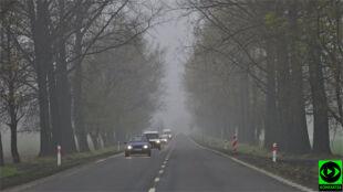 Ostrożnie na drogach. Pojawi się sporo mgieł