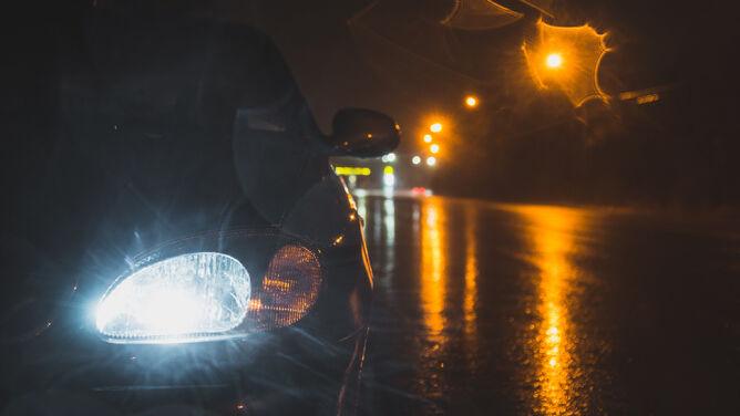 Kierowcy, drogi nocą zrobią się śliskie